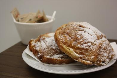 Chocolatine amandes-Boulangerie du lac