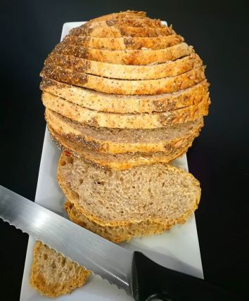 CHIA (farine blanche/ blé entier, chia, tournseol) 5,00$